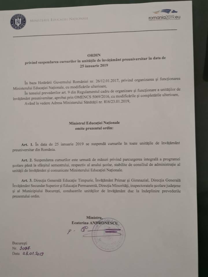 Vineri, 25 ianuarie, se suspendă cursurile